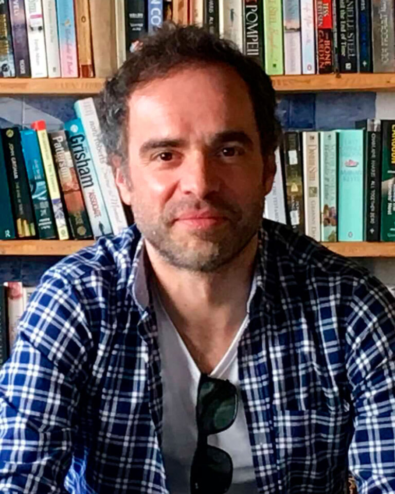 Alexandre Borges: «A poesia deve reclamar de volta o papel de sedução, de comunicação imediata com o seu auditório»